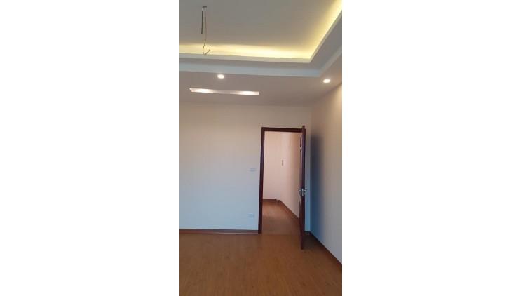 Bán nhà đẹp Hà Đông, DT 40m2, giá chỉ 2.8 tỷ.