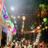 Sang nhượng quán trà chanh, đối diện cổng công viên Linh Đàm, ( gần HH Linh Đàm ).